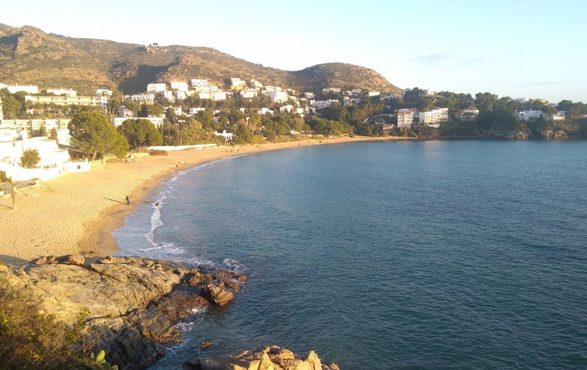 Location de vacances - Appartement à Empuriabrava - Criques et plages à 5 kms de l'appartement : Canyelles et Almadrava.