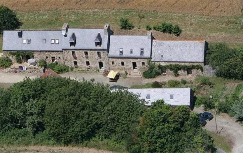 Location de vacances - Chambre d'hôtes à Plouguiel - Ancienne ferme type longère
