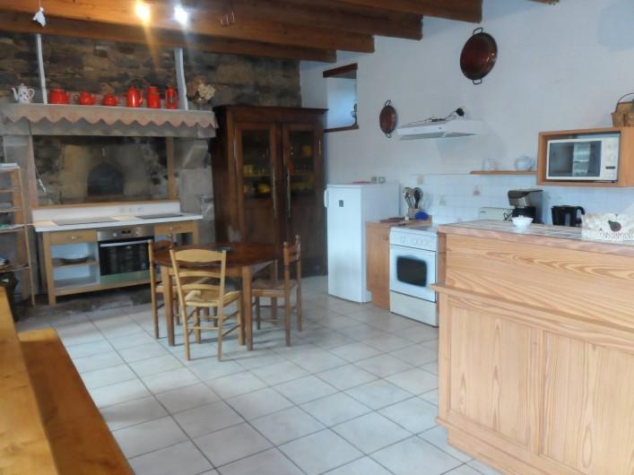 Location de vacances - Chambre d'hôtes à Plouguiel - la cuisine salle à manger