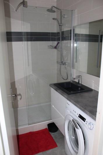 Location de vacances - Appartement à Banyuls-sur-Mer - Salle d'eau  Lave-linge