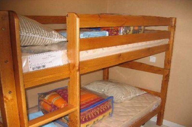 Location de vacances - Appartement à Gérardmer - 2°chambre avec 2 lits de 90 superposés