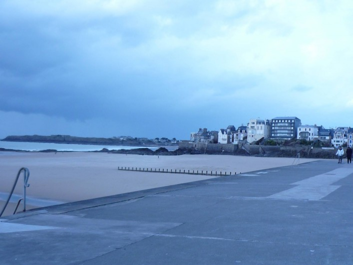 Location de vacances - Studio à Saint-Coulomb - ST Malo Promenade sur le sillon et plage
