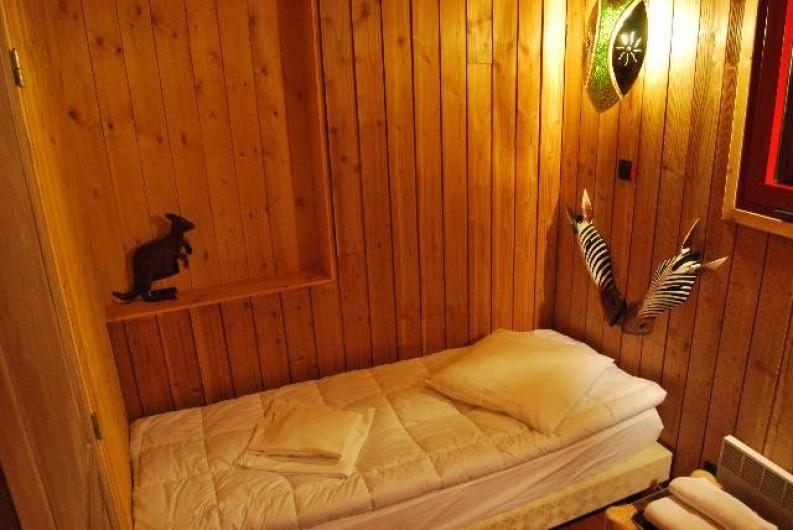 Location de vacances - Insolite à Hermival-les-Vaux - Chambre avec lits twins Lodges Premium