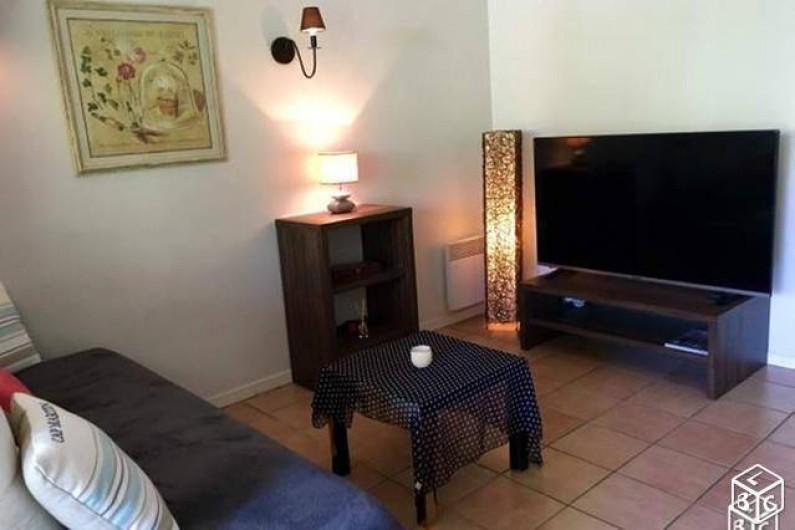 Location de vacances - Villa à Grimaud - COIN SALON