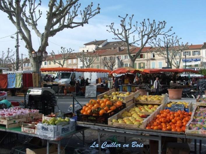 Location de vacances - Gîte à Mollégès - Les marchés de provence
