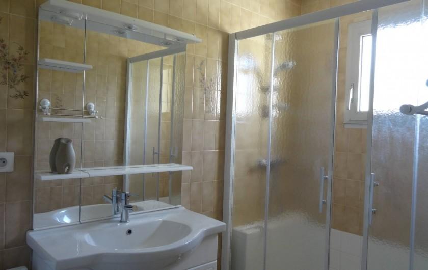 Location de vacances - Villa à Damgan - Salle de bain rez-de-chaussée