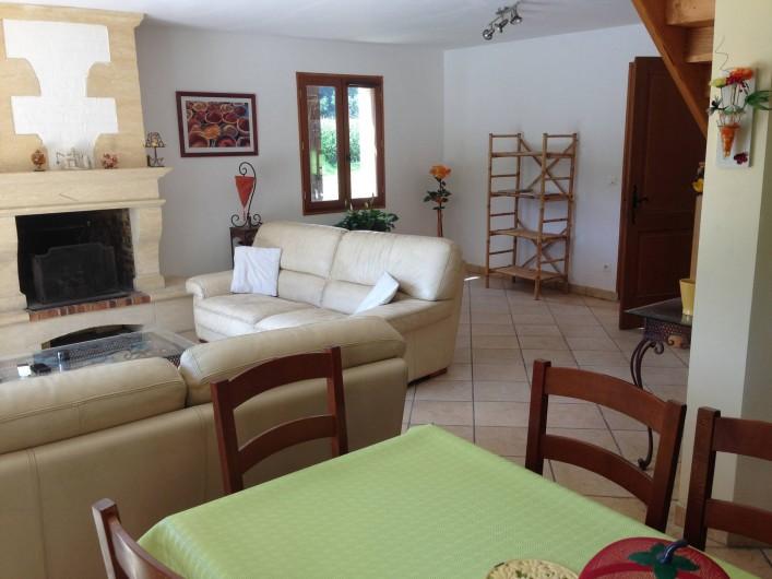 Location de vacances - Maison - Villa à Saint-Amand-de-Coly - séjour