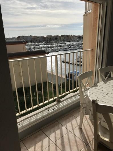 Location de vacances - Appartement à Gruissan - Espace repas