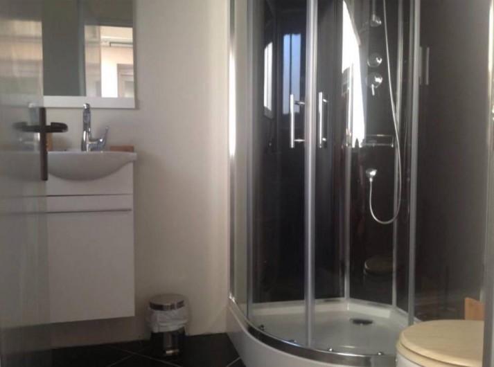 Location de vacances - Maison - Villa à Gruissan - salle de bain extérieur