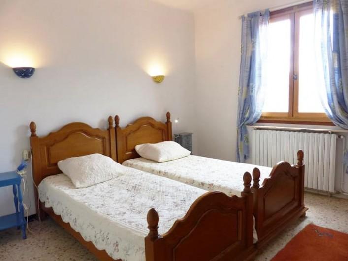 Location de vacances - Appartement à Perpignan - Chambre avec lits doubles en 90.Sud-est