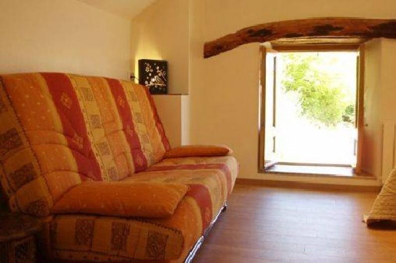 """Location de vacances - Gîte à Saint-Pierre-de-Nogaret - Chambre """"en Terre d'Aubrac"""" avec son espace détente..."""