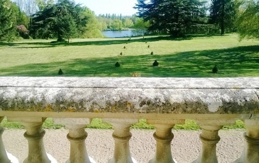 Location de vacances - Château - Manoir à Saint-Denis-de-l'Hôtel - vue sur loire