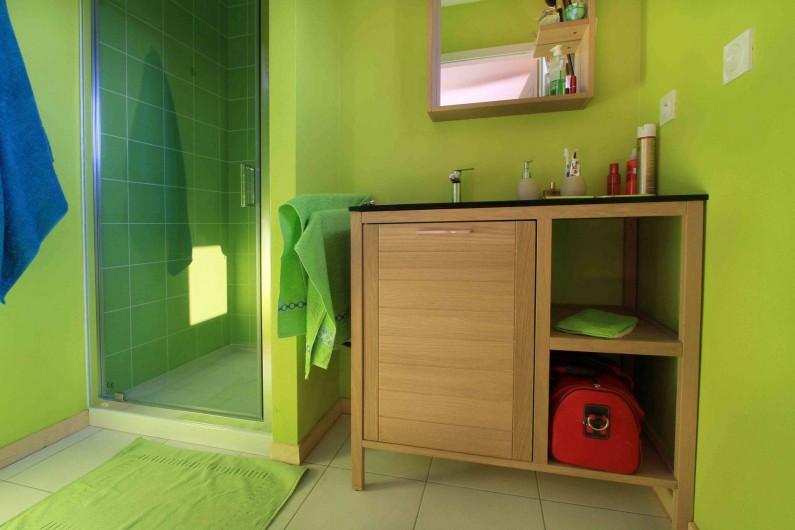 Location de vacances - Chalet à Le Tholy - Salle de bain Sapin