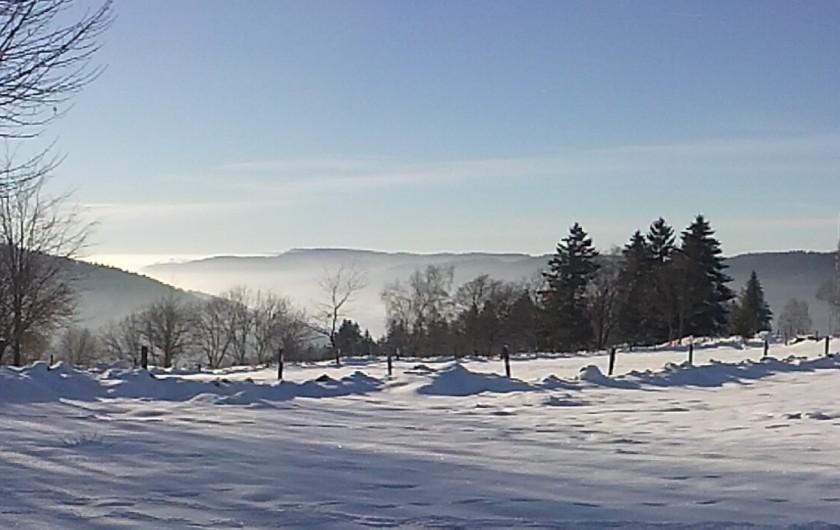 Location de vacances - Chalet à Le Tholy - Paysage hiver au-dessus du chalet