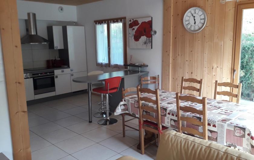 Location de vacances - Chalet à Gérardmer - COIN CUISINE SALLE DE SEJOUR