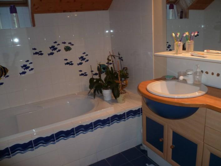 Location de vacances - Chalet à Theys - salle de bain haut