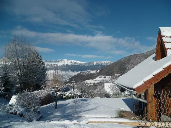 Location de vacances - Chalet à Theys - vue Chartreuse hiver