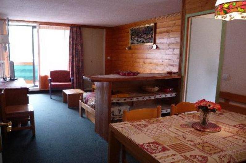 Location de vacances - Appartement à Les Menuires - Entrée dans la pièce de vie