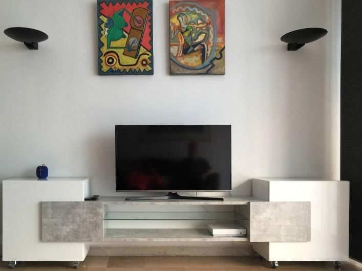 Location de vacances - Appartement à Cannes - Coté salon TV