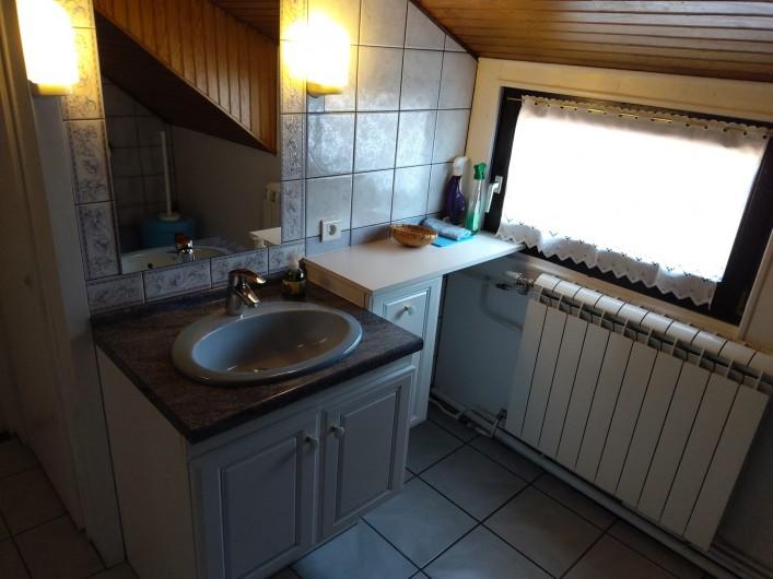 Location de vacances - Gîte à Bussang - Grand Appartement - Salle de bains
