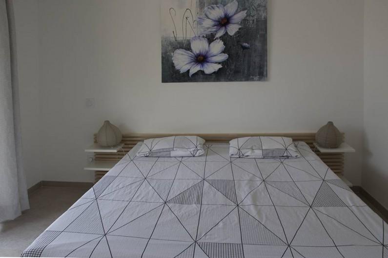 Location de vacances - Gîte à Robion - Lit 160 cm, draps fournis