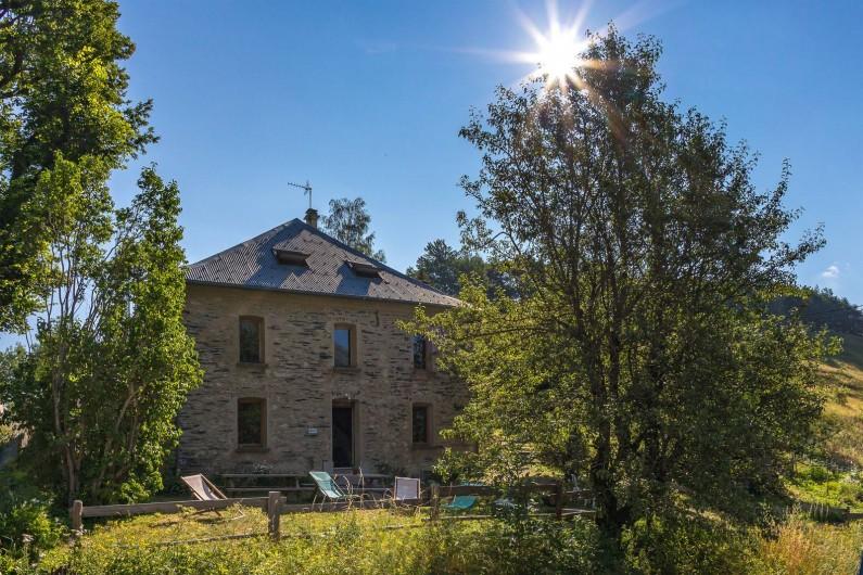 Location de vacances - Gîte à Ornon - Le Gîte et sa terrasse