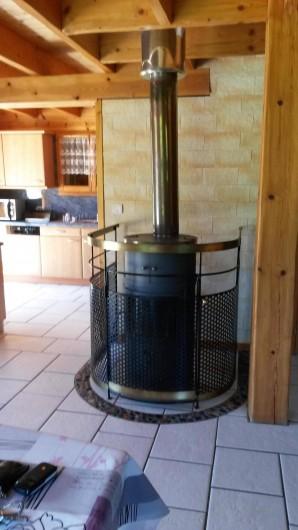 Location de vacances - Chalet à Le Menil - Poêle à bois