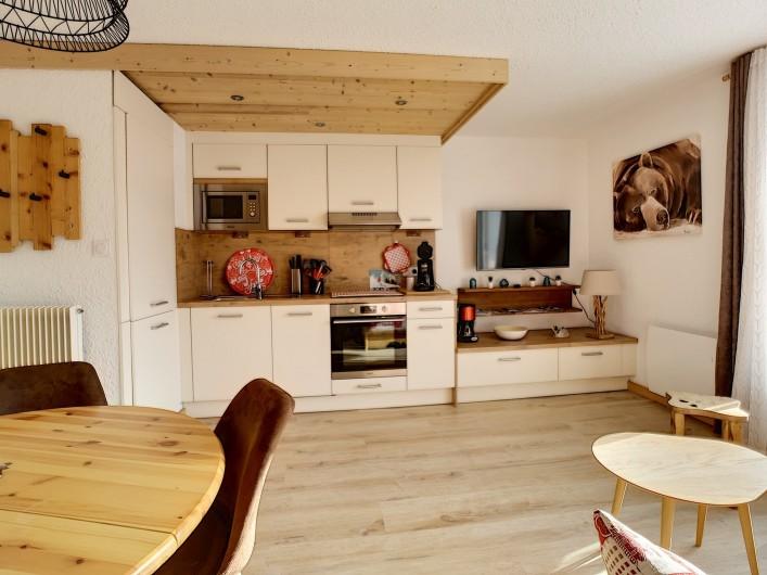 Location de vacances - Appartement à Les Deux Alpes - Réfrigérateur, congélateur, lave-vaisselle, four pyrolyse,  plaque de cuisson