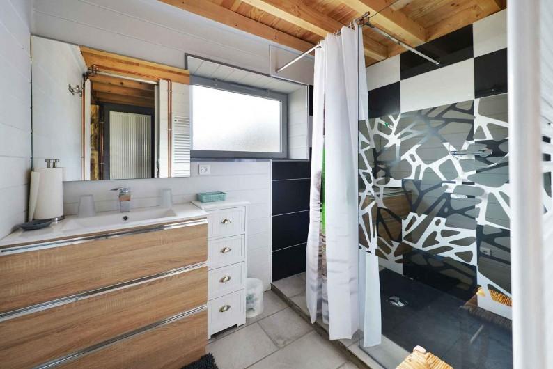 Location de vacances - Gîte à La Salvetat-Peyralès - Gîte 2 - Salle de bain