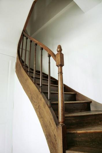 Location de vacances - Gîte à Miers - escalier étage