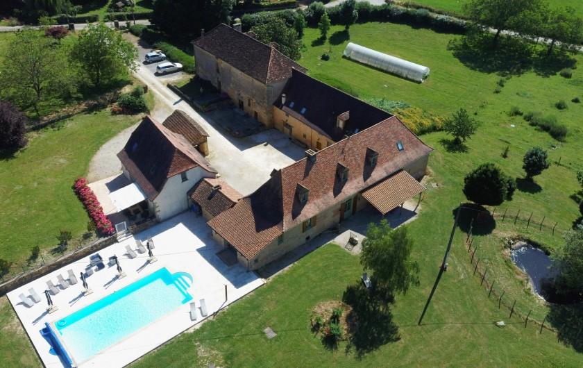 Location de vacances - Gîte à Saint-Médard-d'Excideuil - La Propriété