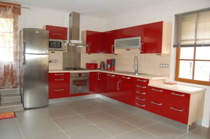 Location de vacances - Gîte à Saint-Médard-d'Excideuil - Coin cuisine gîte Les Figuiers
