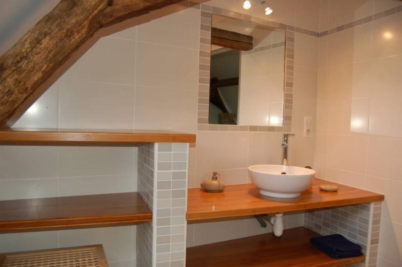 Location de vacances - Gîte à Saint-Médard-d'Excideuil - Salle d'eau chambre 6