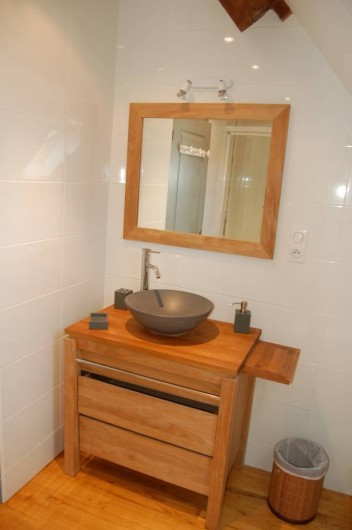 Location de vacances - Gîte à Saint-Médard-d'Excideuil - Salle d'eau chambre 7