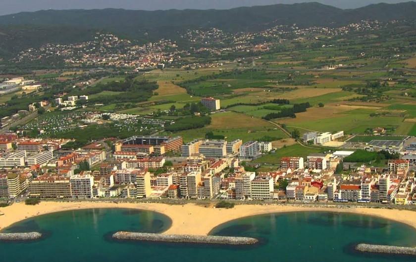 Location de vacances - Appartement à Sant Antoni de Calonge - sant Antoni de Calonge - vue aeriènne de les plages principalles
