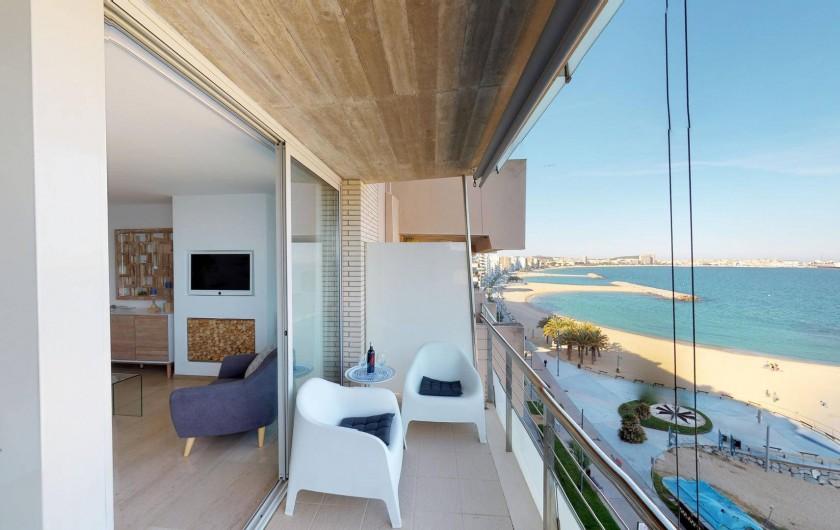 Location de vacances - Appartement à Sant Antoni de Calonge - terrasse pieds dans l'eau