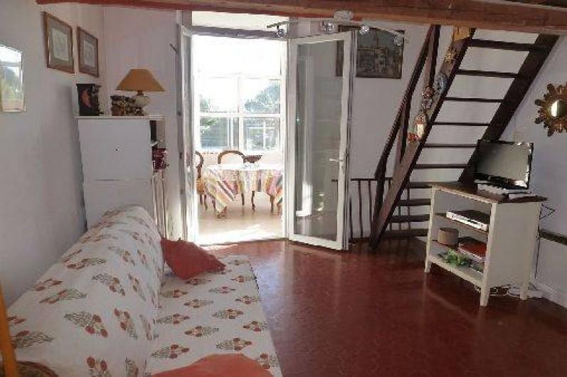 Location de vacances - Appartement à Six-Fours-les-Plages - Salon 2