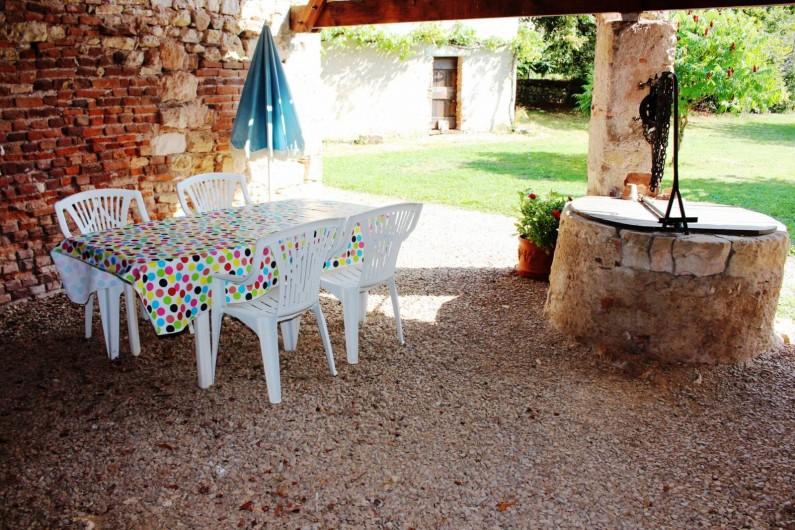 Location de vacances - Gîte à Cordes-sur-Ciel - La terrasse couverte