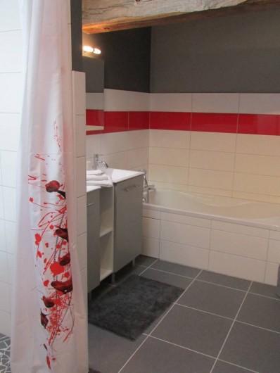 Location de vacances - Villa à Riocaud - Salle de bains à l'étage