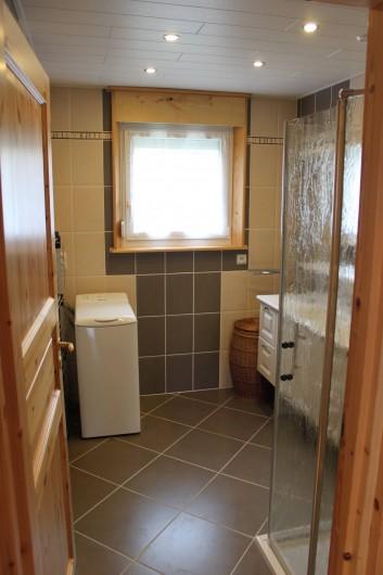 Location de vacances - Gîte à Les Fins - salle d'eau