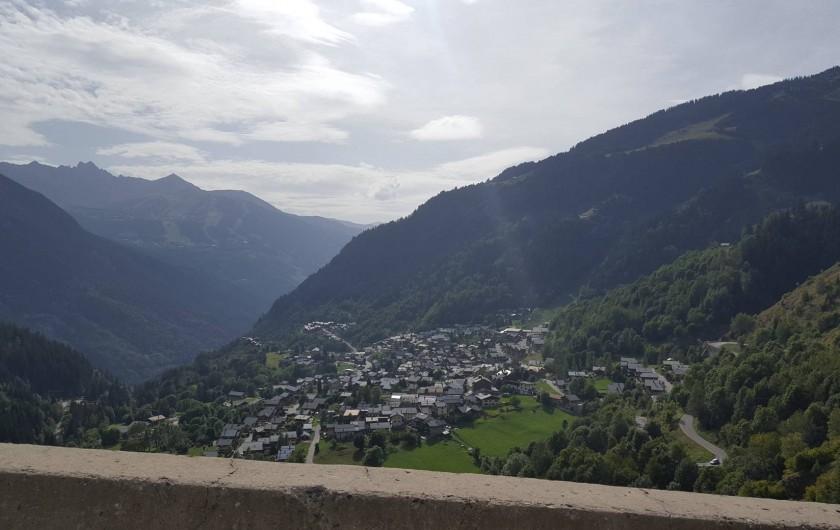 Location de vacances - Appartement à Champagny-en-Vanoise - Village à flanc de montagne.