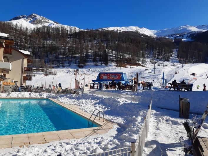 Location de vacances - Appartement à Les Orres - frond de neige a 100m de l'appartement
