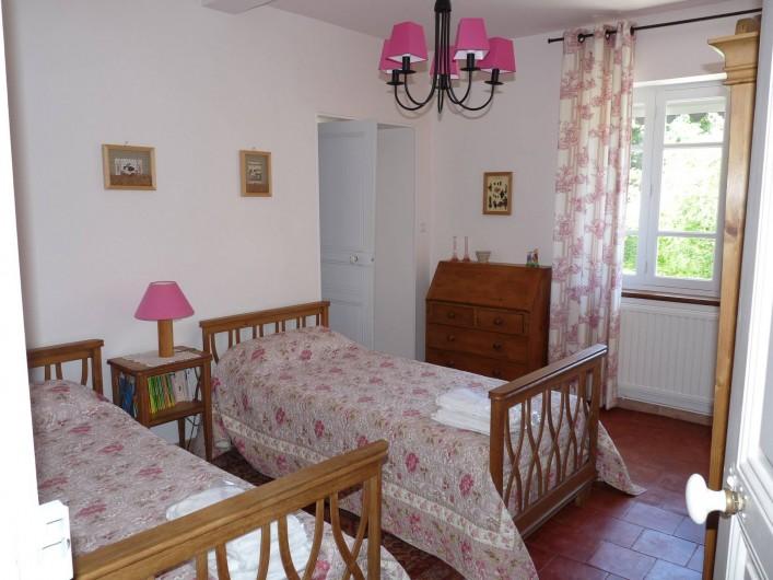Location de vacances - Gîte à Cournanel - Chambre 2  Gîte adèle , 2 lits en 90