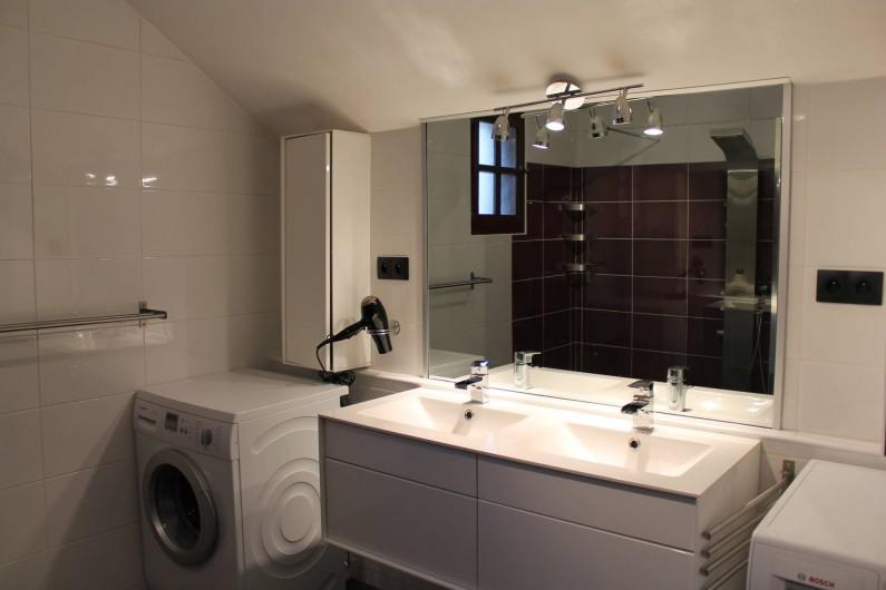 Location de vacances - Appartement à Valloire - SALLE DE BAIN - Lave-linge et sèche-linge