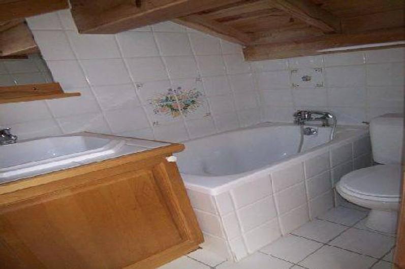 Location de vacances - Appartement à Méribel - SALLE DE BAIN 1 ETAGE