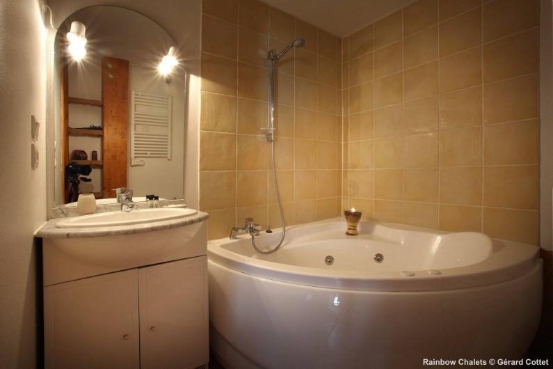 Location de vacances - Chalet à Les Menuires - Salle de bain