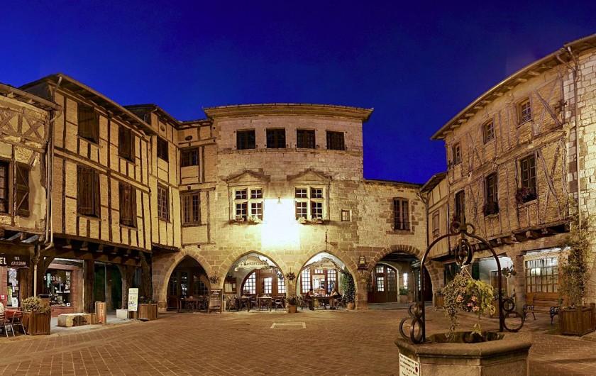Location de vacances - Chambre d'hôtes à Castelnau-de-Montmiral - notre beau village à 3 km Castelnau de Montmiral
