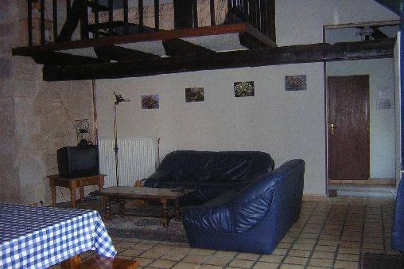 Location de vacances - Gîte à Saint-Pantaly-d'Ans - Coin salon