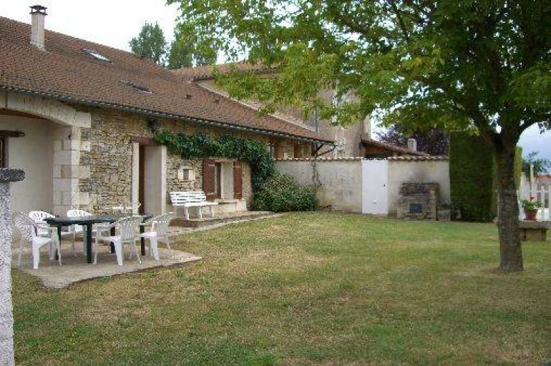 Location de vacances - Gîte à Saint-Pantaly-d'Ans - Rénovation avec goût