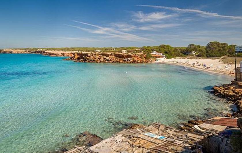 Location de vacances - Villa à Cap de Barbaria - The house is 300m away from cala saona beach